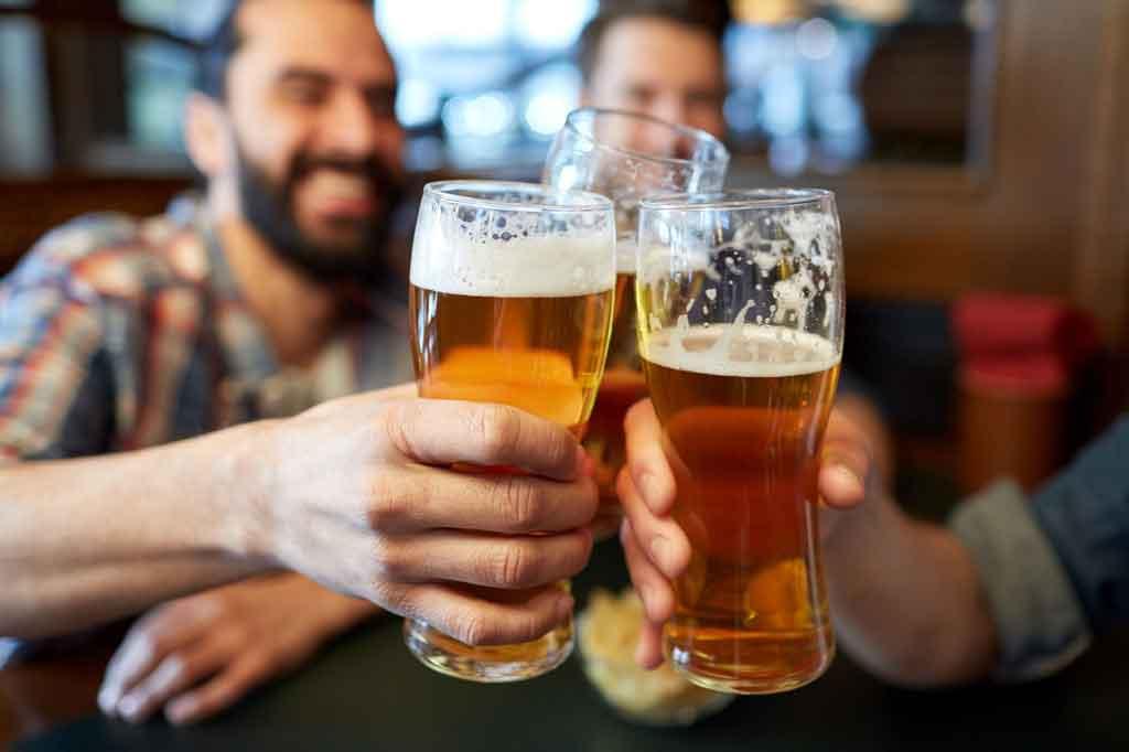 http://www.brauseminare-mainz.de/wp-content/uploads/brauseminare-mainz-beer-cheers-web.jpg